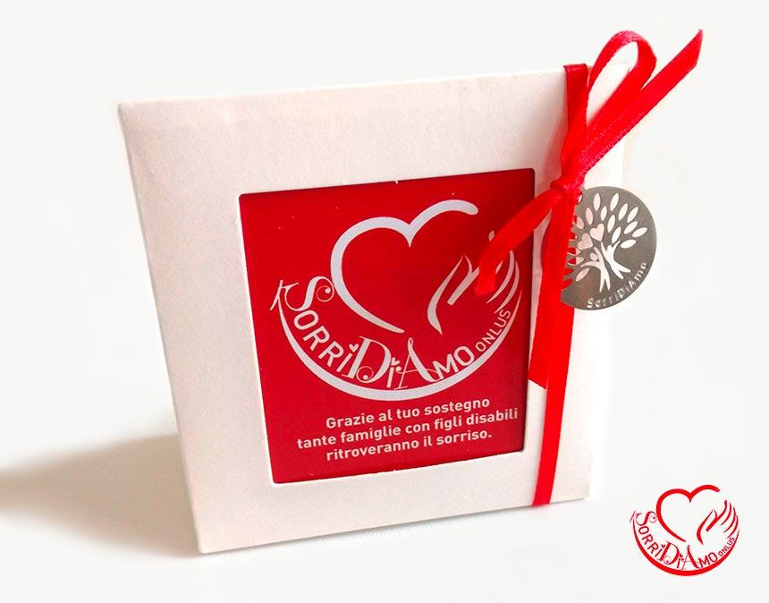 Scatolina-porta-confetti-ciondolo-rosso