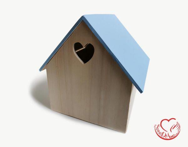 Casetta legno tetto azzurro